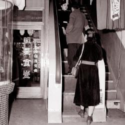 エスカレーター付きの食堂(昭和31年)